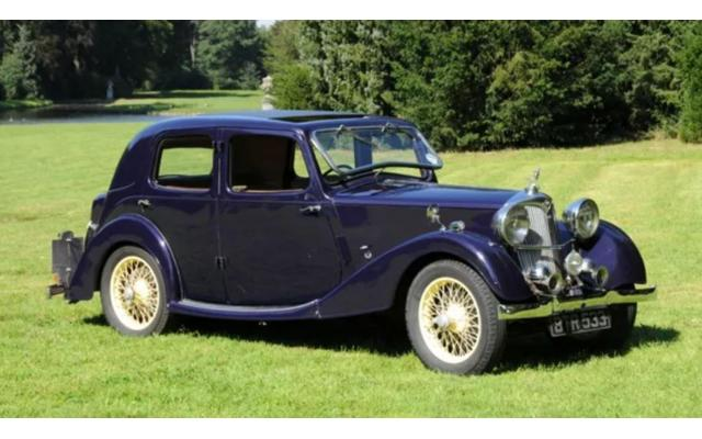 Riley 12/4 Touring Saloon Briggs Bodied 1938