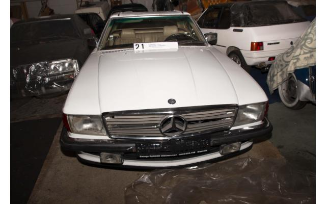 LOT 021 SOLD Mercedes 300 SL 1986	Automatic
